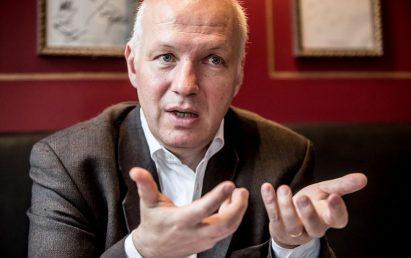 Fischer vyzval Zemana, aby se vložil do kauzy Čapí hnízdo. Kvůli zprávě OLAF
