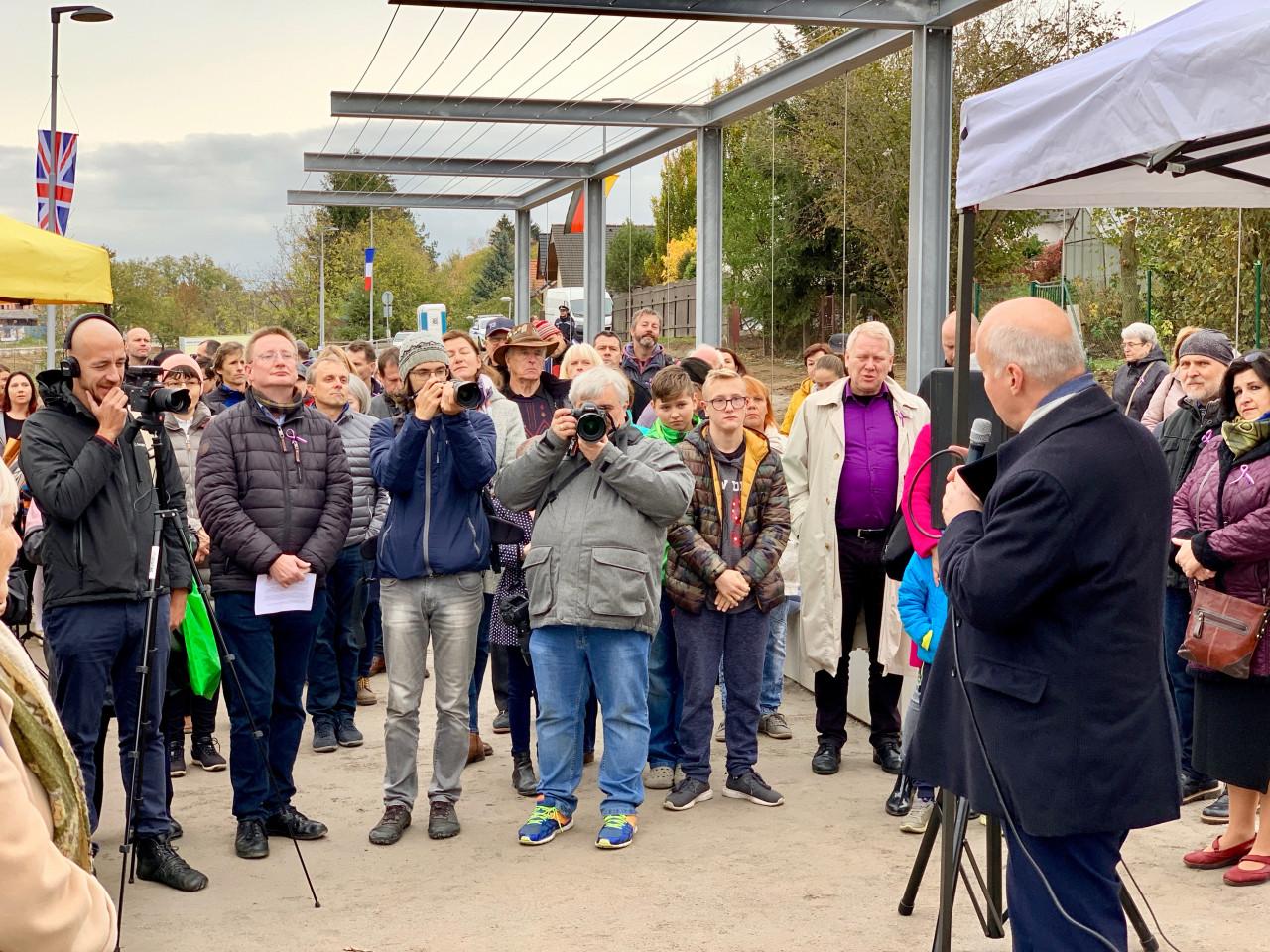 Pavel Fischer na slavnostním otevření parku Václava Havla v Říčanech u Prahy