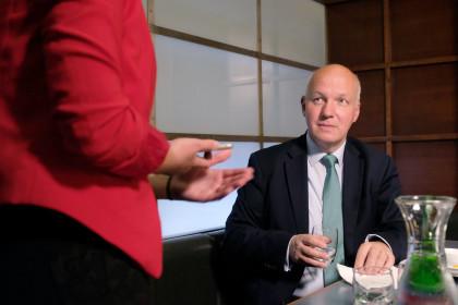 Pavel Fischer navštívil všechny volební štáby podporujících stran