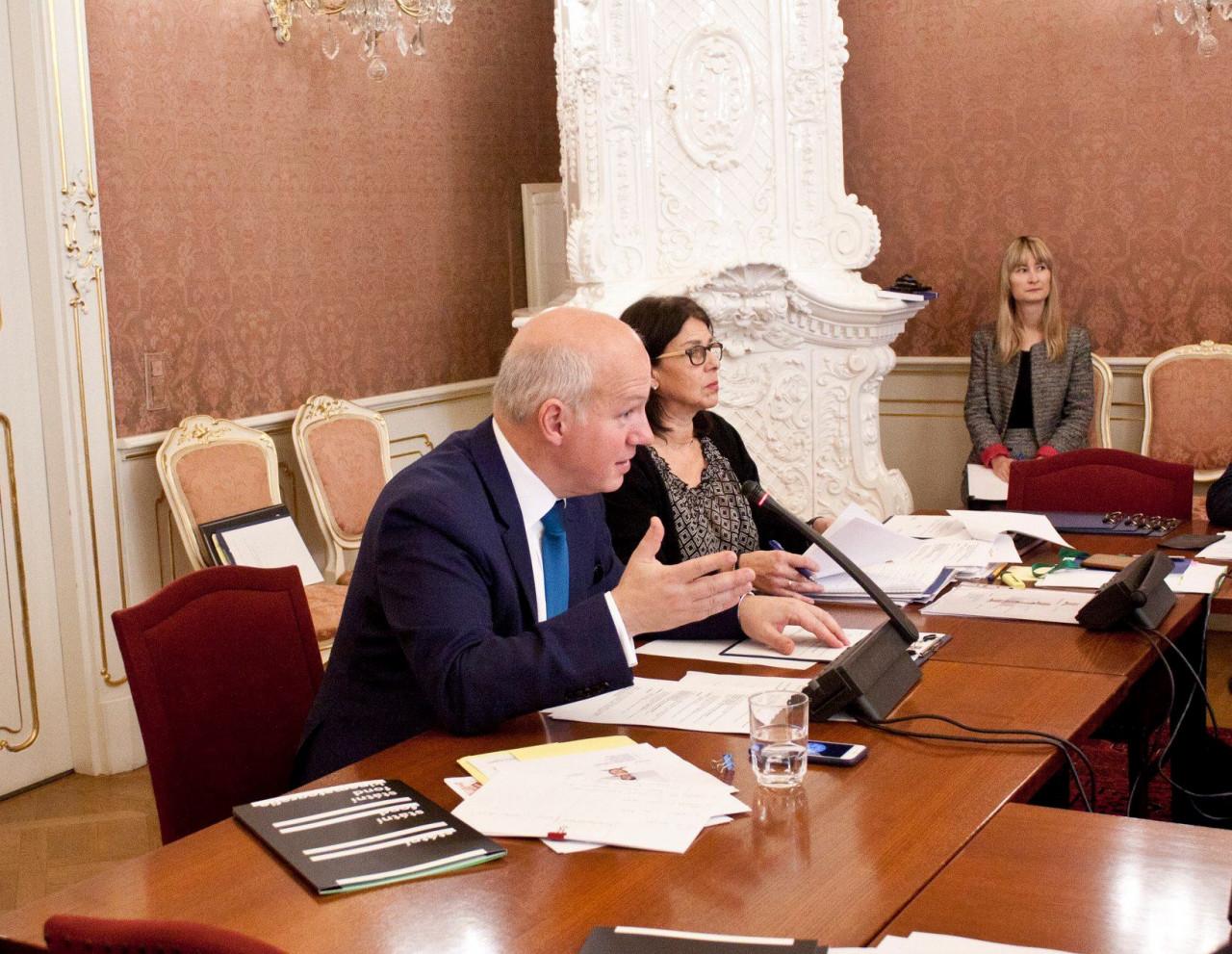 Eurozprávy.cz: Agrese v Kerčském průlivu? Senátní výbor v čele s Fischerem odsoudil postup Ruska