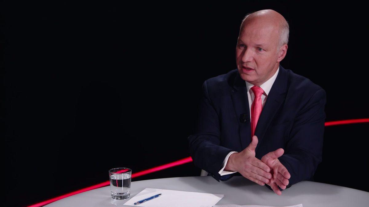 Pavel Fischer v pořadu Výzva Seznamu: Chování prezidenta Zemana patří do varieté