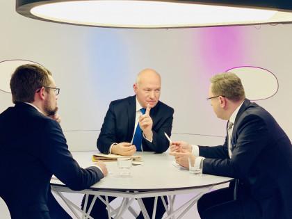Pavel Fischer hostem pořadu Otázky Václava Moravce 20. ledna 2019