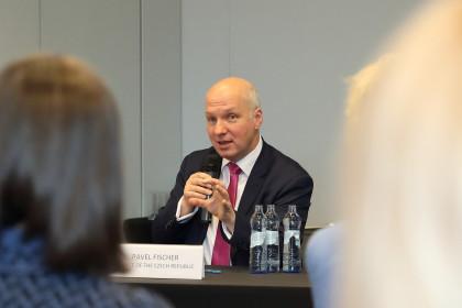 Pavel Fischer na semináři o ženách v politice