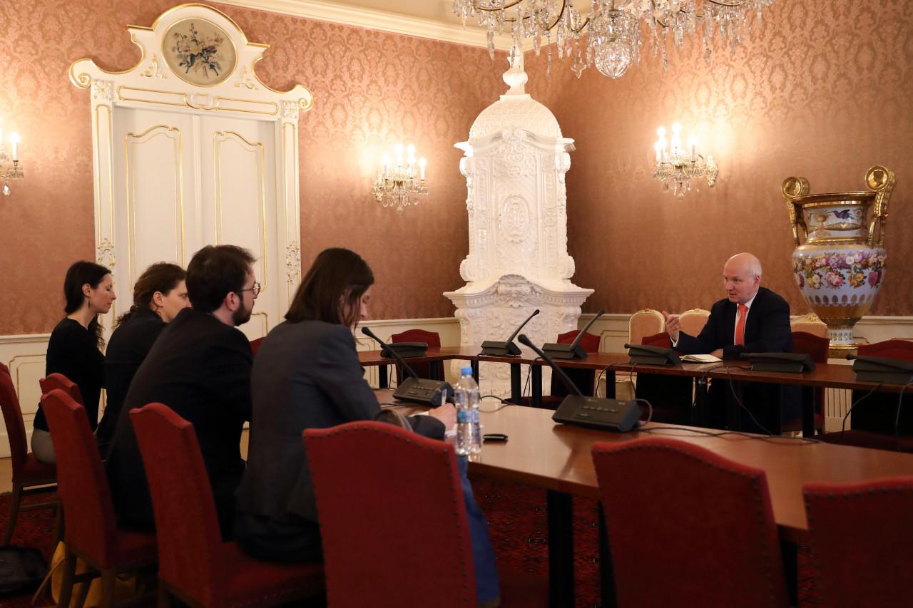 Pavel Fischer se setkal se zástupci Amnesty International