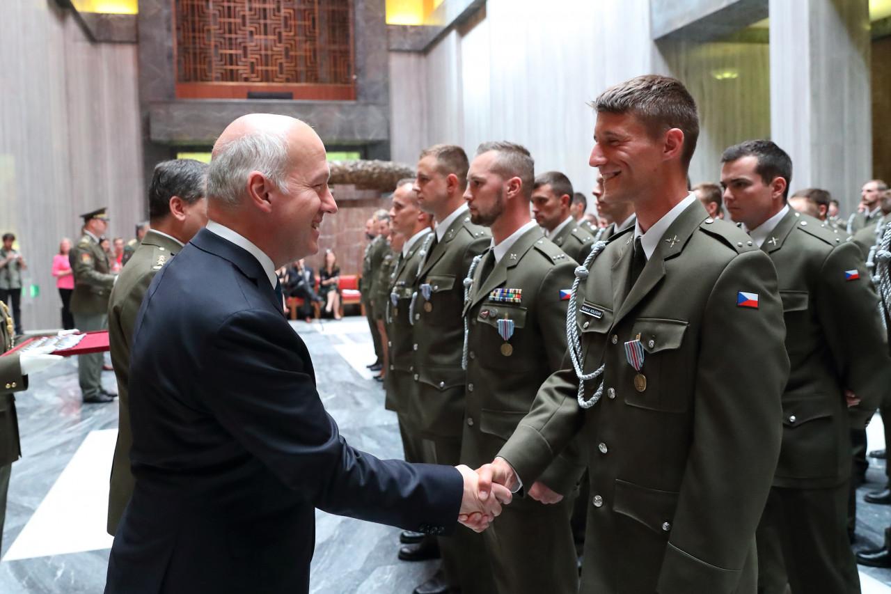 Pavel Fischer přivítal vojáky po návratu z operací v Afghánistánu, Mali a Velké Británii