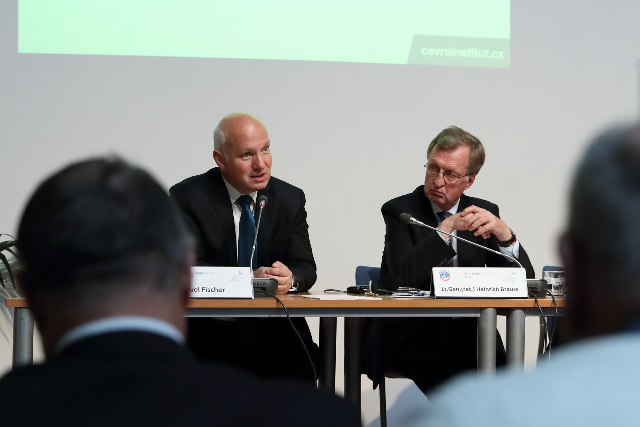 Pavel Fischer na zahájení česko-německého semináře NATO at 70: What's next?