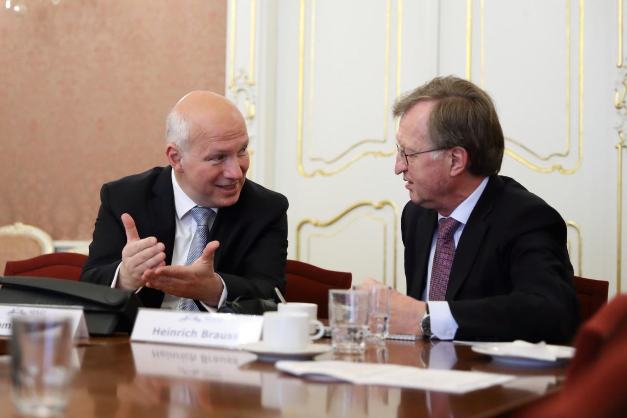 Pavel Fischer na česko-německém semináři NATO at 70: What's next? v Senátu