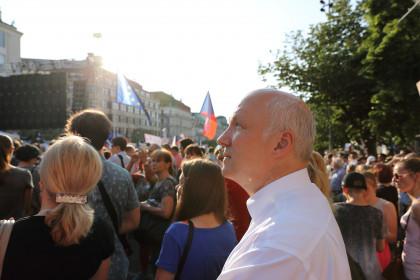 Pavel Fischer na demonstraci na Václavském náměstí v Praze 4. června 2019