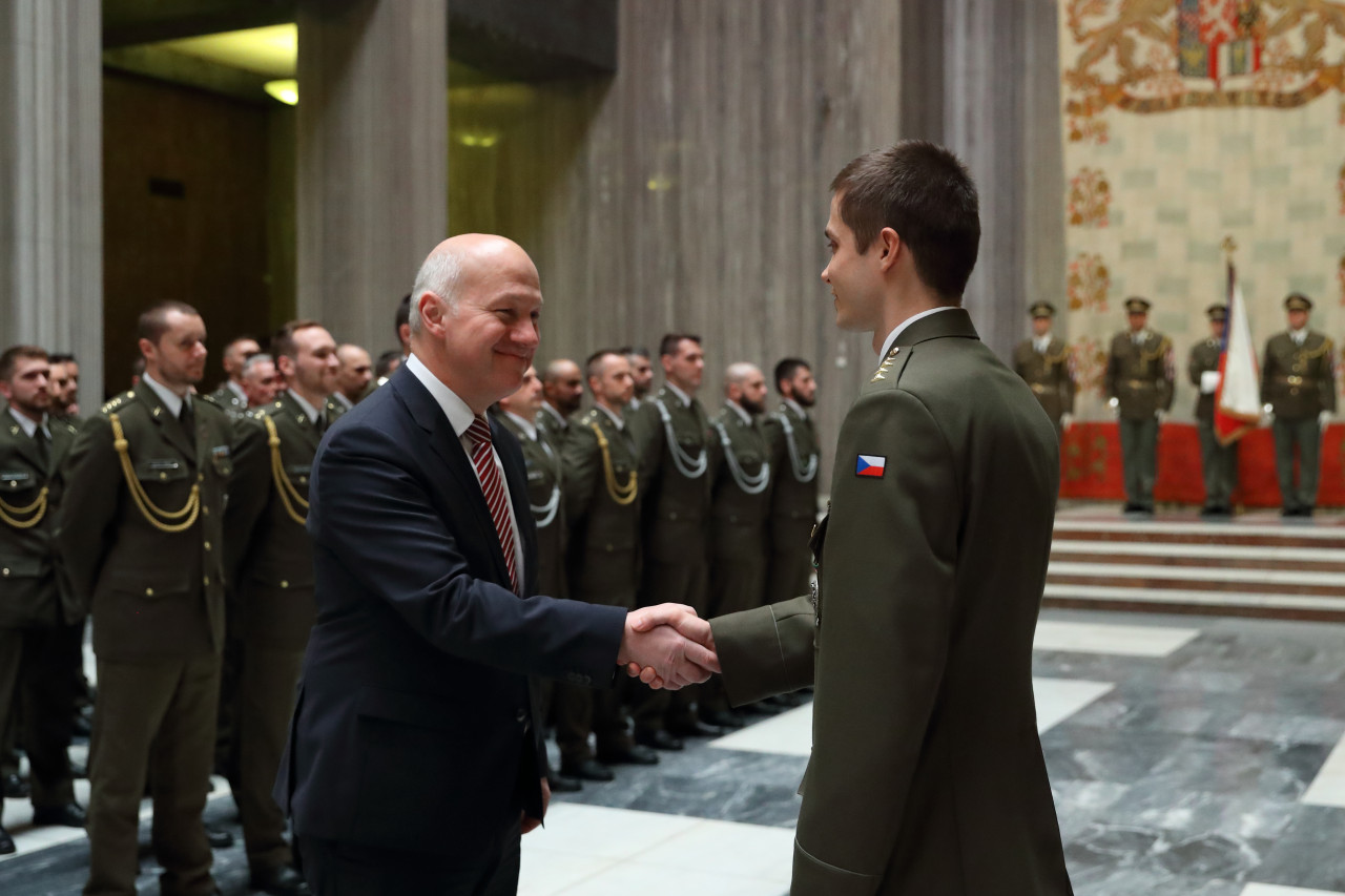 Pavel Fischer přivítal na Vítkově vojáky po návratu ze zahraničních operací
