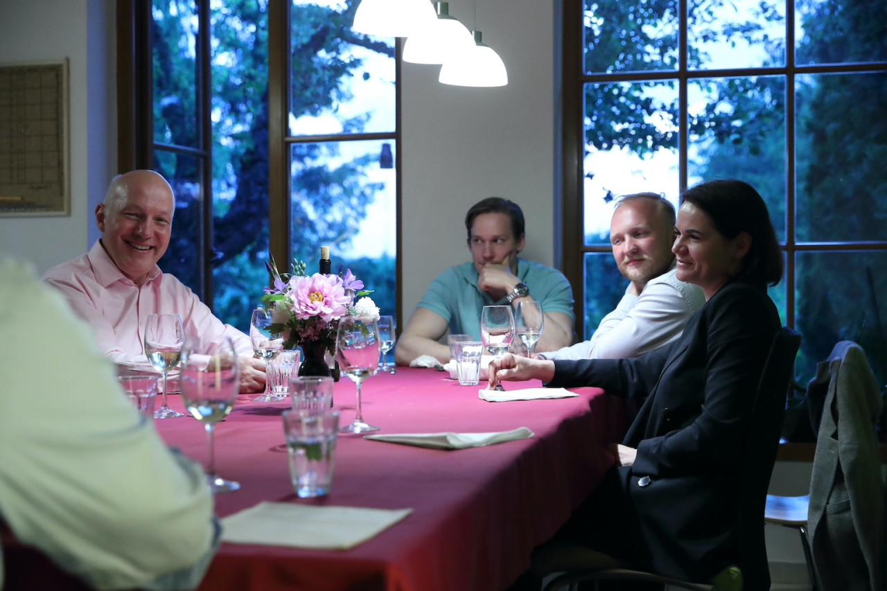 Pavel Fischer pozval na soukromou večeři Svjatlanu Cichanouskou
