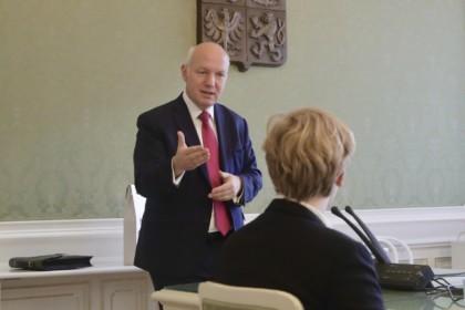 Pavel Fischer diskutoval se studenty v Senátu